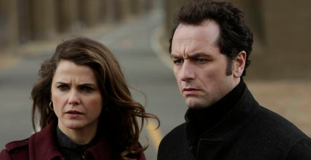 Keri-Russell-and-Matthew-Rhys-in-The-Americans-Season-2-Episode-13