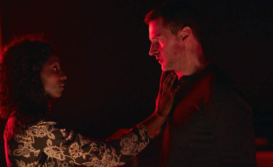 "HANNIBAL -- ""...and the Beast from the Sea"" Episode 311 -- Pictured: (l-r) Rutina Wesley as Reba McClane, Richard Armitage as Francis Dolarhyde -- (Photo by: Sophie Giraud/NBC)"