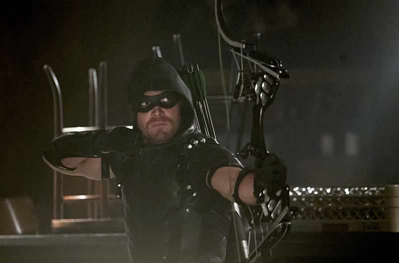 "Arrow -- ""The Candidate"" -- Image AR402A_0219b -- Pictured: Stephen Amell as The Arrow -- Photo: Katie Yu /The CW -- © 2015 The CW Network, LLC. All Rights Reserved."
