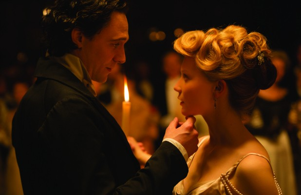 CrimsonPeak_Hiddleston_Wasikowska-618x400