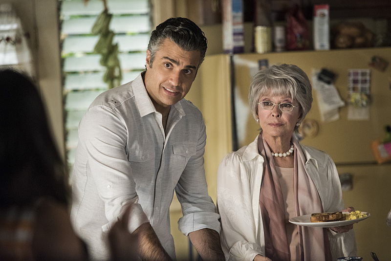 "Jane The Virgin -- ""Chapter Thirty-One"" -- Image Number: JAV209a_0093.jpg -- Pictured (L-R): Jaime Camil as Rogelio and Rita Moreno as Liliana -- Photo: Eddy Chen/The CW -- © 2015 The CW Network, LLC. All rights reserved."