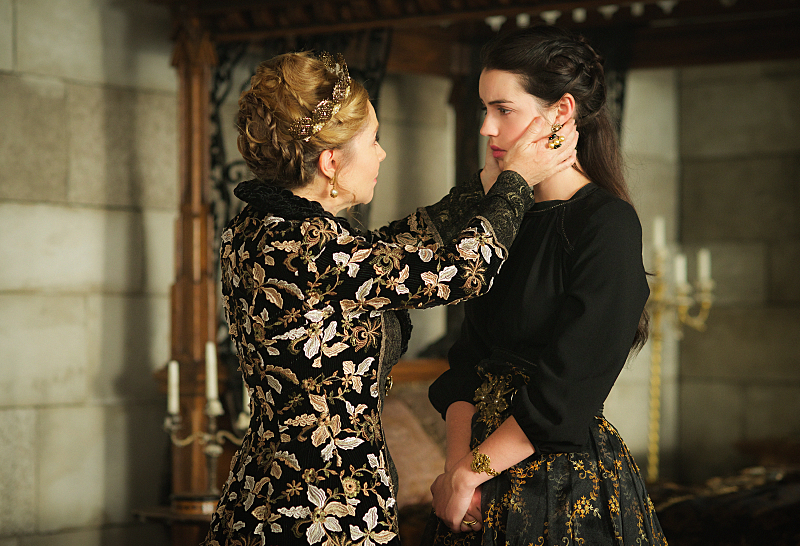 "Reign -- ""Bruises That Lie"" -- Image Number: RE310a_0120.jpg -- Pictured (L-R): Megan Follows as Catherine de Medici and Adelaide Kane as Mary, Queen of Scots -- Photo: Sven Frenzel/The CW -- © 2016 The CW Network, LLC. All rights reserved."