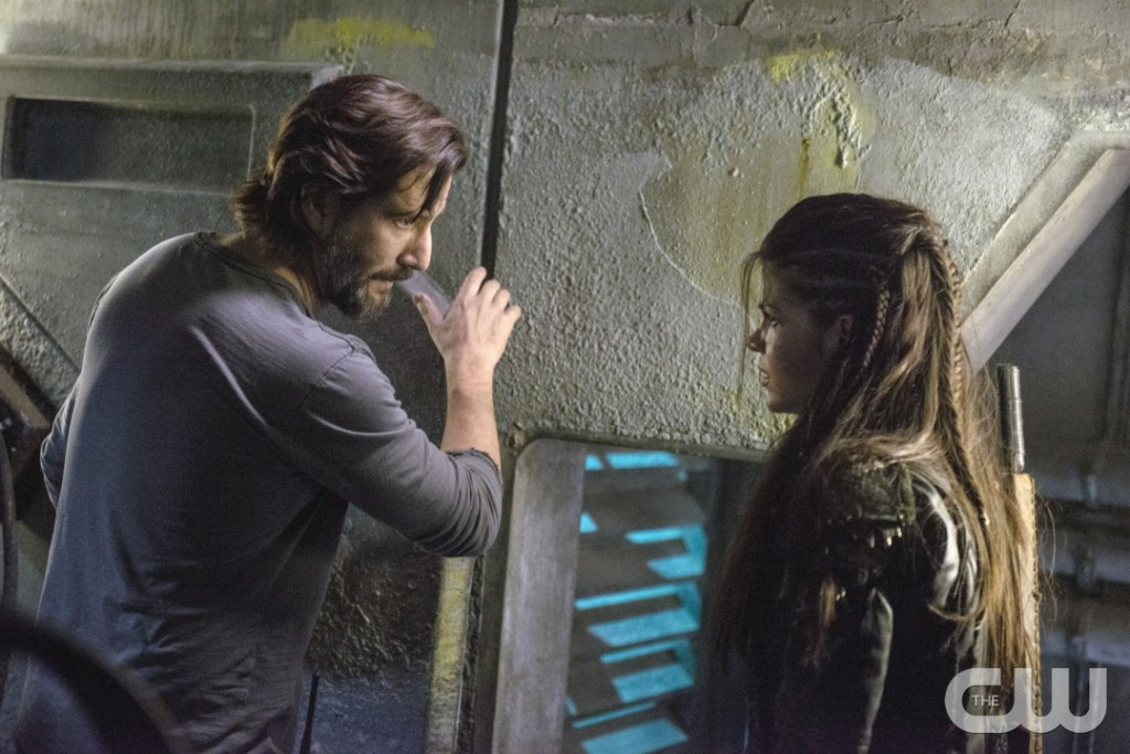 "The 100 -- ""Hakeldama"" -- Image HU305b_0249 -- Pictured (L-R): Henry Ian Cusick as Kane and Marie Avgeropoulos as Octavia -- Credit: Cate Cameron/The CW -- © 2016 The CW Network, LLC. All Rights Reserved"