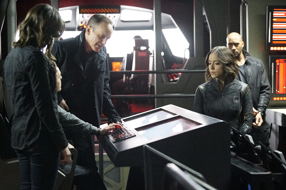 """MARVEL'S AGENTS OF S.H.I.E.L.D. - """"Parting Shot"""" - Bobbi and Hunter become ensnared in an assassination plot after tracking Malick to Russia. As S.H.I.E.L.D. races to save the lives on the line, the team is changed forever, on """"Marvel's Agents of S.H.I.E.L.D.,"""" TUESDAY, MARCH 22 (9:00-10:00 p.m. EDT) on the ABC Television Network. (ABC/Kelsey McNeal) CLARK GREGG, CHLOE BENNET, HENRY SIMMONS"""