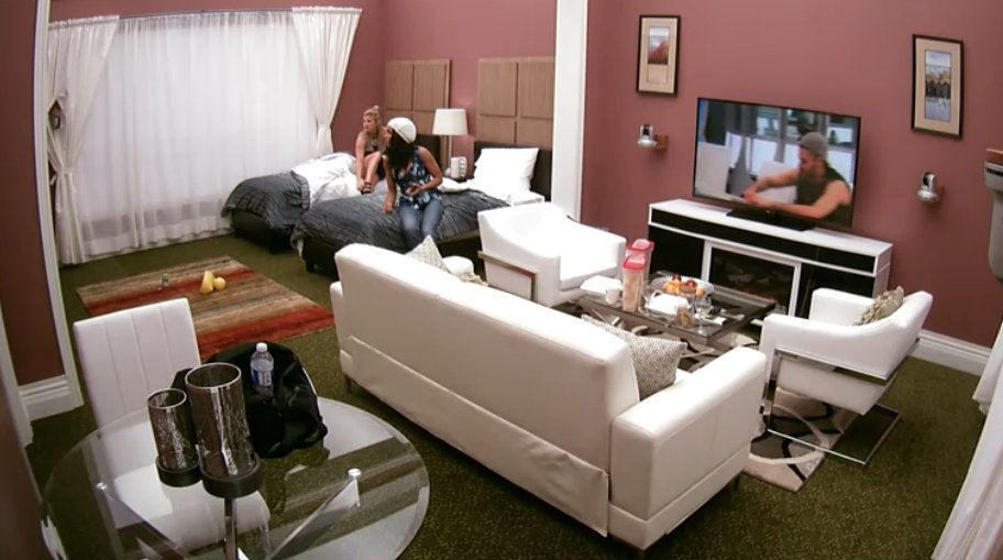 Big Brother Canada 4 Loveita and Kelsey