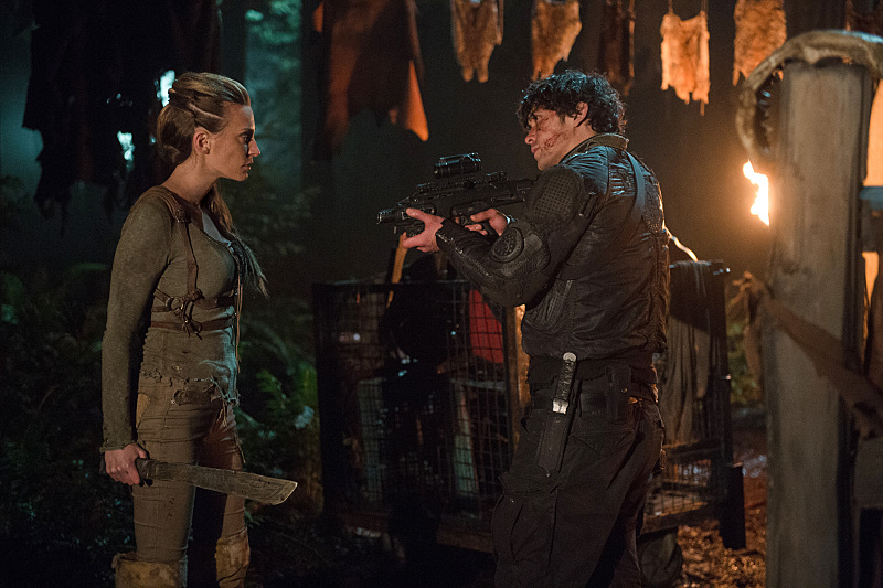 """The 100 -- """"Nevermore"""" -- Image HU311a_0211 -- Pictured (L-R): Jessica Harmon as Niylah and Bob Morley as Bellamy -- Credit: Diyah Pera/The CW -- © 2016 The CW Network, LLC. All Rights Reserved"""