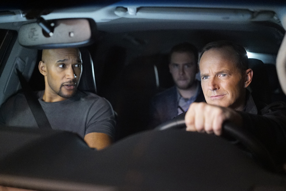 """MARVEL'S AGENTS OF S.H.I.E.L.D. - """"Uprising"""" - As Coulson, Mack and Fitz attempt to track down and neutralize a rogue group looking to end Inhuman Registration worldwide, Simmons and Dr. Radcliffe only have hours to save May before she succumbs forever to her mysterious illness, on """"Marvel's Agents of S.H.I.E.L.D.,"""" TUESDAY, OCTOBER 11 (10:00-11:00 p.m. EDT), on the ABC Television Network. (ABC/Jennifer Clasen) HENRY SIMMONS, CLARK GREGG"""