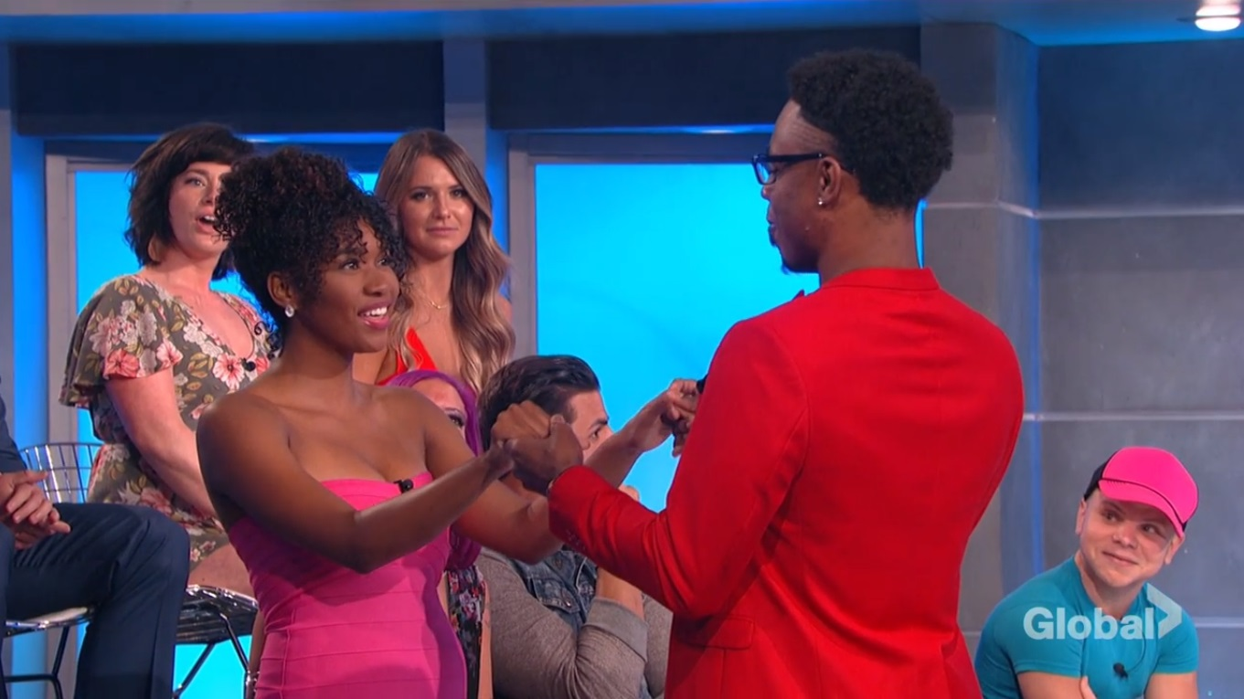 Swaggy C proposes to Bayleigh during the finale of Big Brother 20