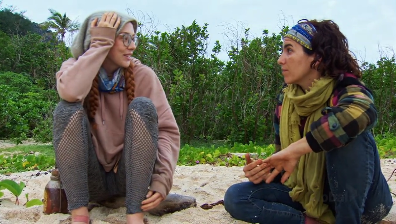 Aubry and Victoria strategizing on Survivor: Edge of Extinction