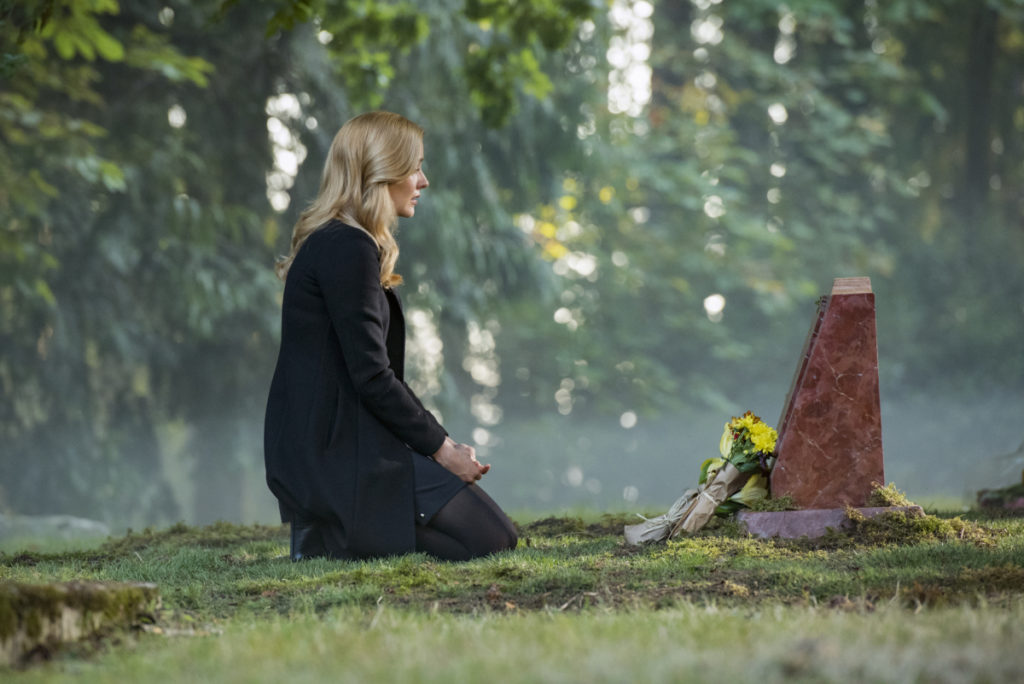 Nancy paying her respects to her mother on Nancy Drew