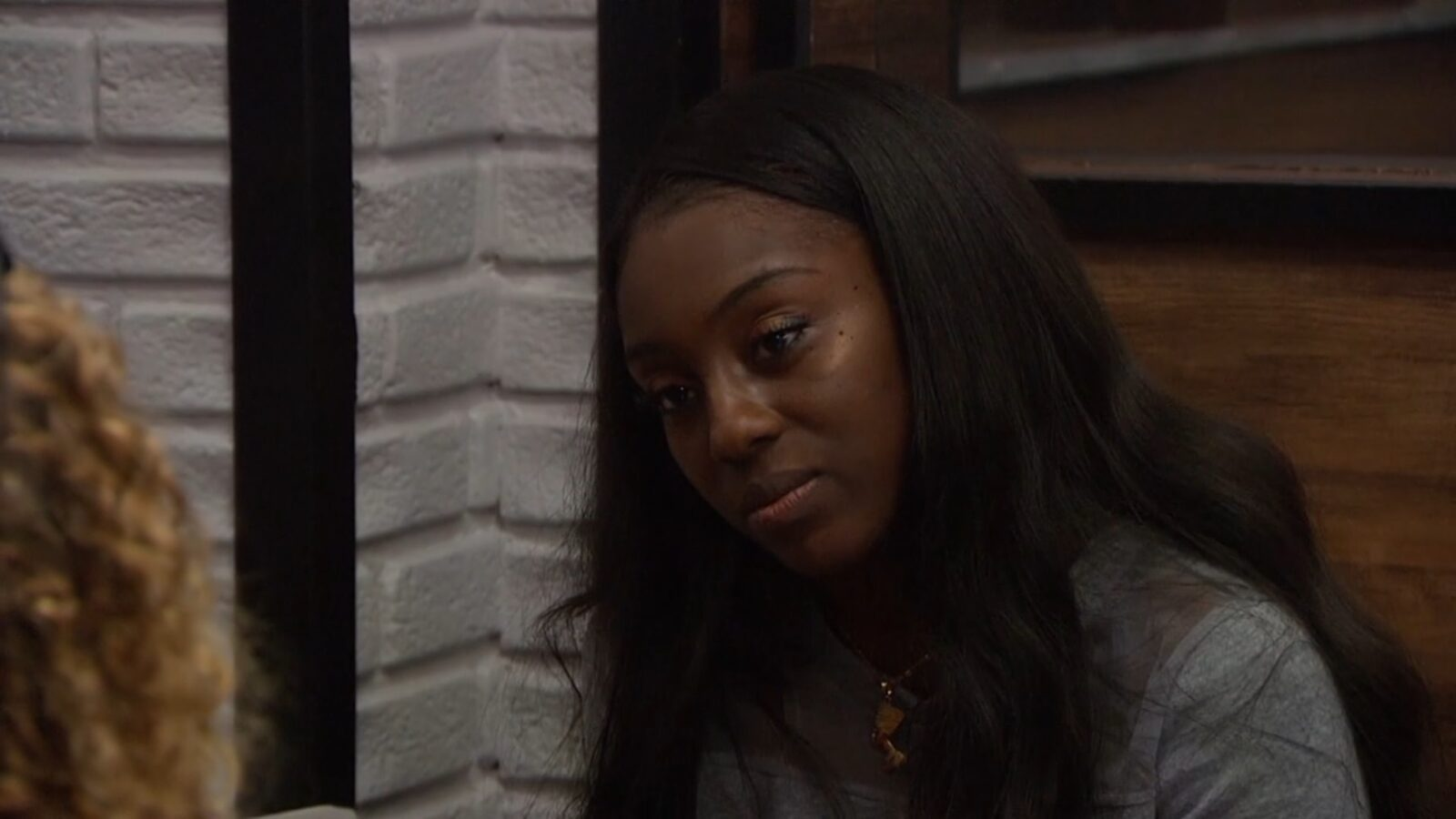 Da'Vonne campaigning to Tyler on Big Brother: All-Stars