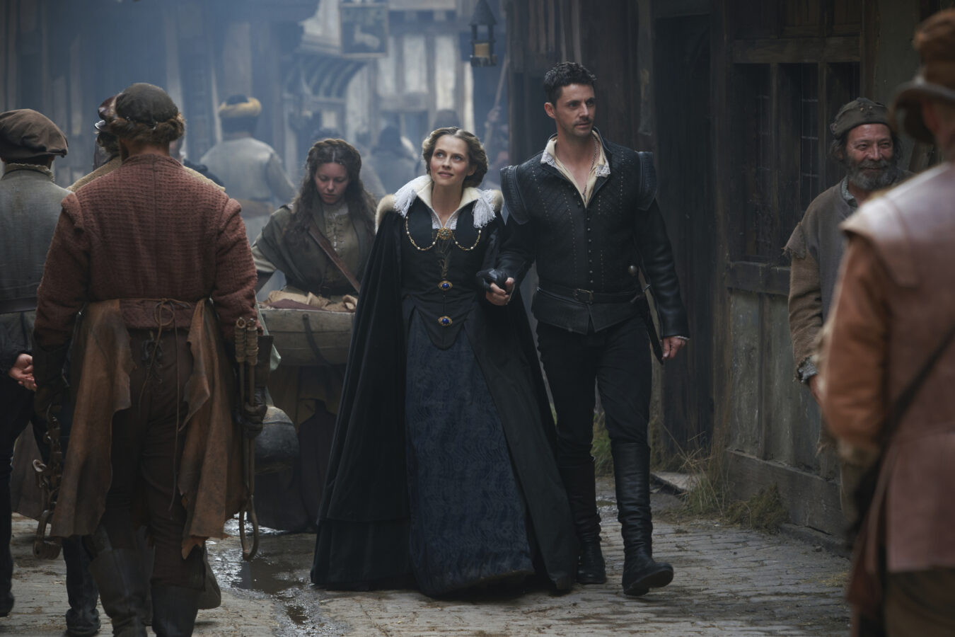 Diana and Matthew walk around Elizabethan England in A Discovery of Witches season 2 premiere episode